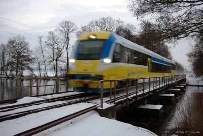 SA137-003 na mostku nad Małą Panwią