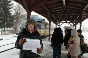 Damian Kapinos zbiera podpisy w Grodkowie